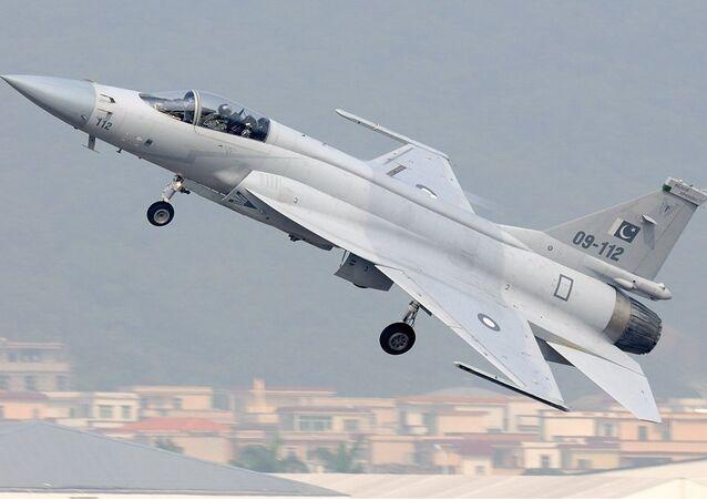 Thunder JF-17 (modelo anterior)