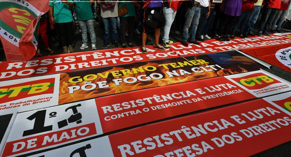 Manifestação de trabalhadores em São Paulo, Brasil, por ocasião do 1º de maio