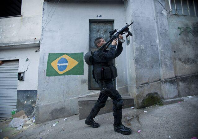 Um policial de elite da BOPE, Rio de Janeiro, foto de arquivo