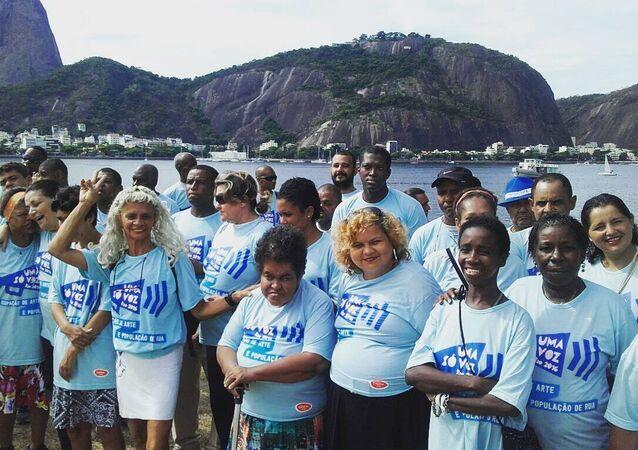 Moradores de rua se apresentam durante a  celebração oficial de aniversário de 452 anos do Rio de Janeiro.