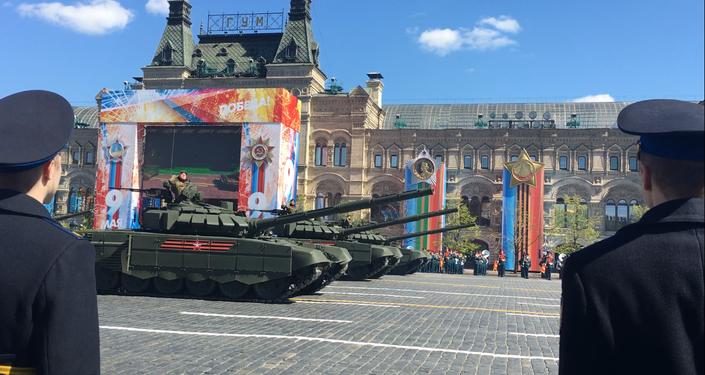 Tanque T-52B3, pela primeira vez apresentado em 2016, desfile durante o ensaio geral da Parada da Vitória, em 7 de maio de 2017