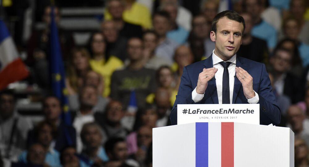 Emmanuel Macron discursa em uma reunião pública no Palácio dos Esportes em Lyon, em 4 de fevereiro de 2017