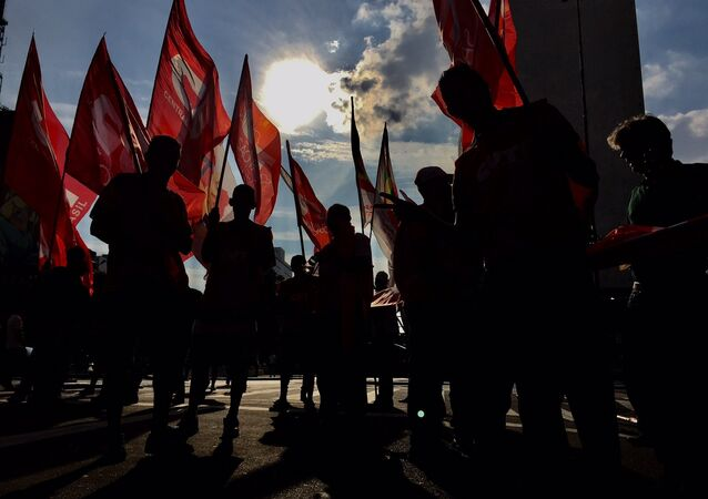 CUT e MST esperam levar 20 mil pessoas a Curitiba na quarta-feira