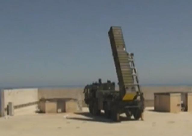 Lançamento do míssil turco BORA