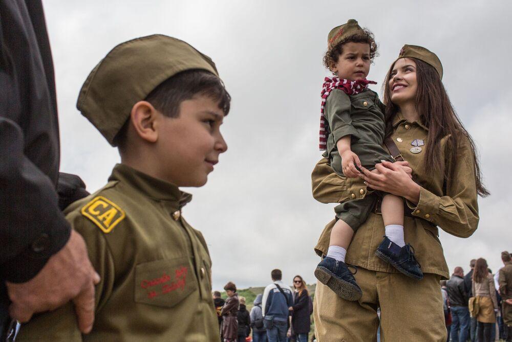 Espetadores do festival internacional dedicado à libertação de Sevastopol