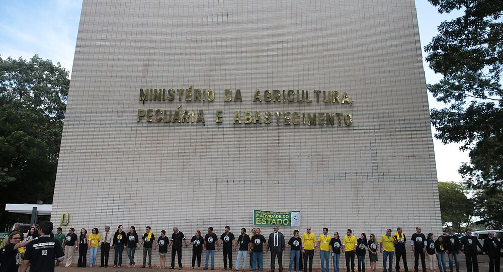 Auditores fiscais do Ministério da Agricultura se reúnem e fazem ato público para prestar esclarecimentos à sociedade sobre a importância do trabalho de fiscalização (arquivo)