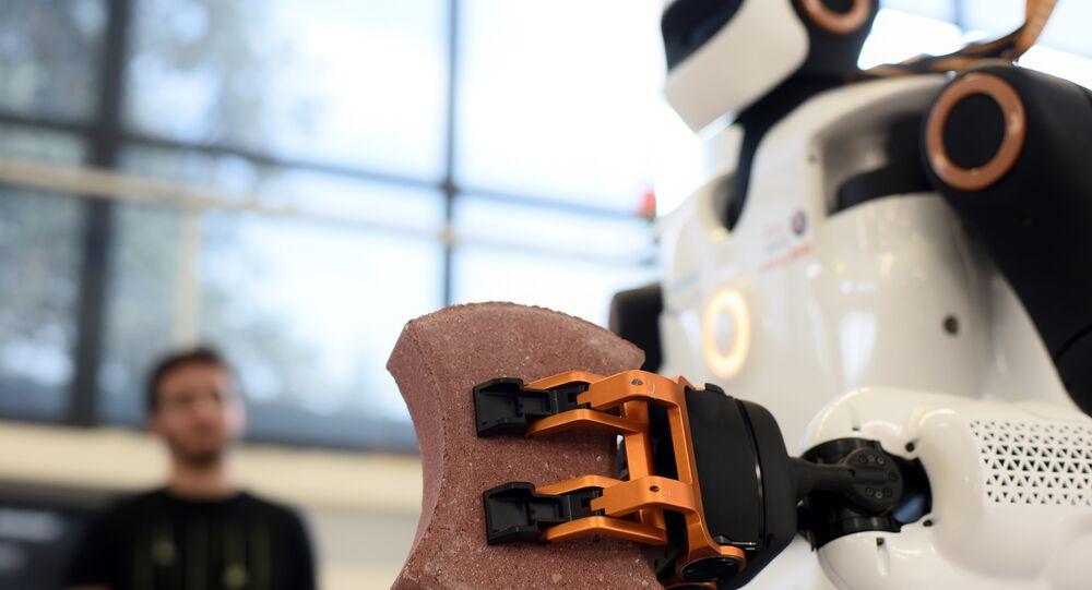 Consultoria McKinsey estima que 50% do trabalho no Brasil podem ser feitos por robôs