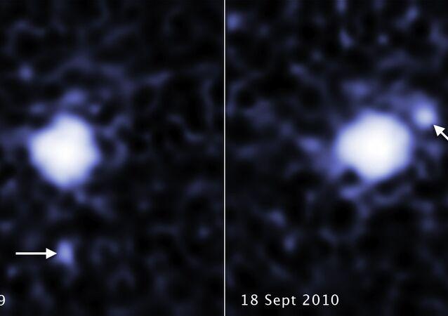 O maior planeta anão 2007 OR10, localizado na região chamada de Cinturão de Kuiper, é acompanhado por uma pequena lua