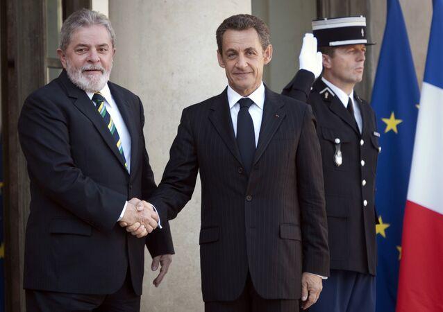 Luiz Inácio Lula da Silva e Nicolas Sarkozy, ex-presidentes de Brasil e França, durante um encontro em Paris em setembro de 2011