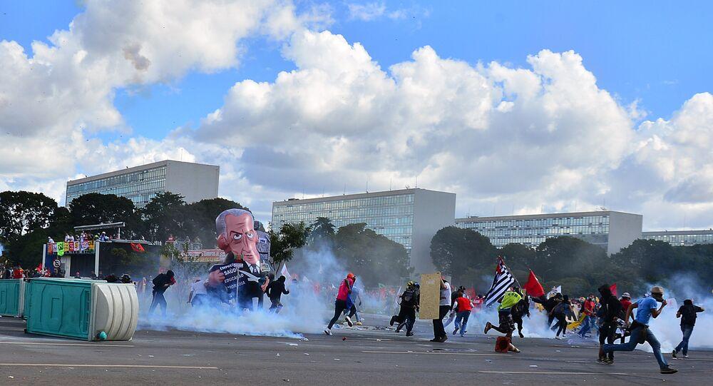 Membros da OEA alegam que crise brasileira, ao contrário da Venezuela, é problema interno do país