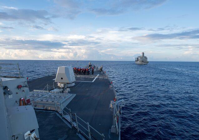Destróier americano USS Dewey (foto de arquivo)