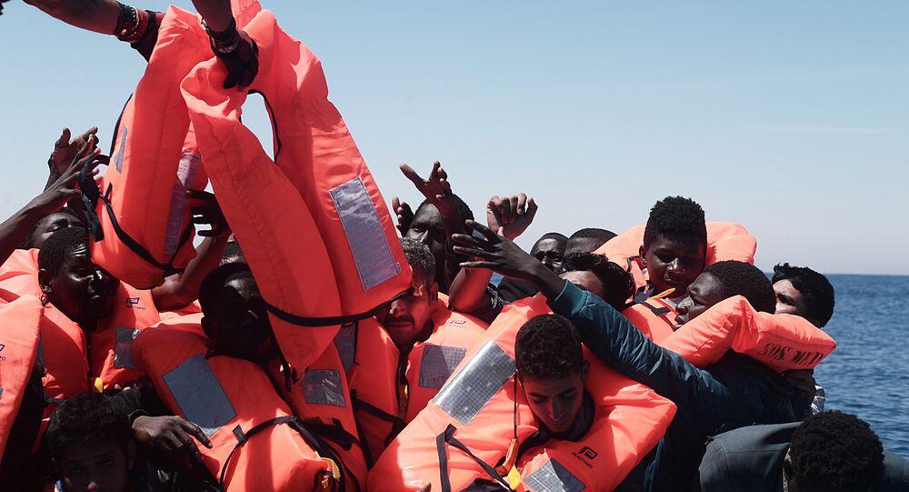 Operação de resgate da SOS Méditerranée a bordo do navio Aquarius (arquivo)