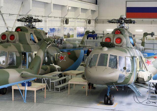 Helicópteros Mi-8 com sistemas Rychag-AV (foto de arquivo)