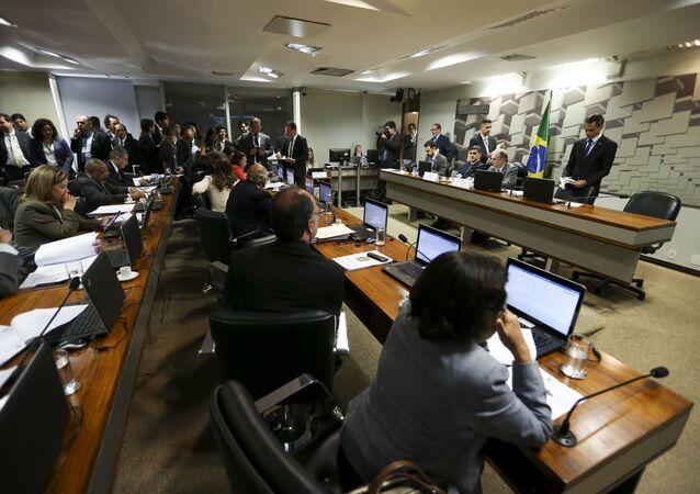 Comissão do Senado aprova reforma trabalhista