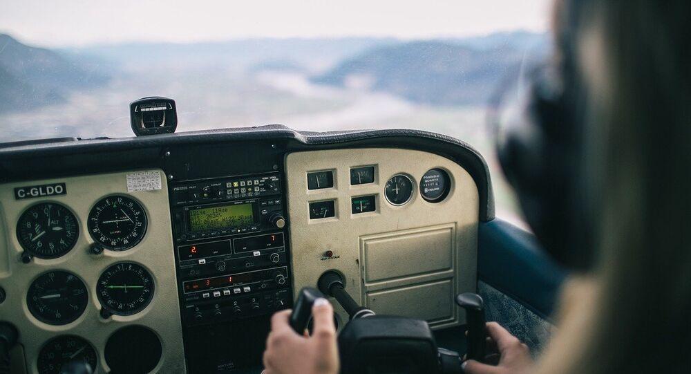 Segundo mídia norte-americana, piloto morreu no local e motivos do acidente ainda são desconhecidos
