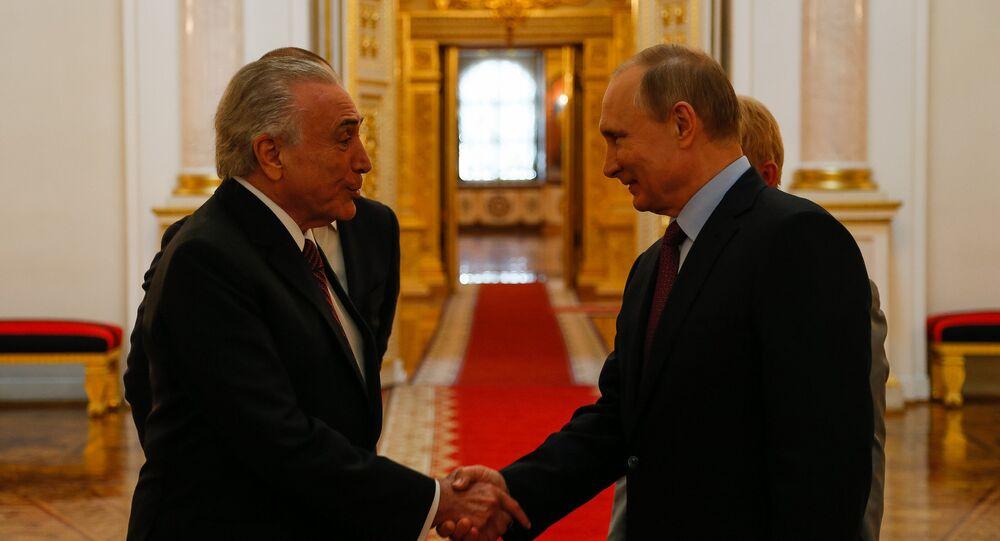 Encontro com o senhor Vladimir Putin Presidente da Federação da Rússia. Visita aos Salões do Kremlin e Despedida. (ST. George Hall)