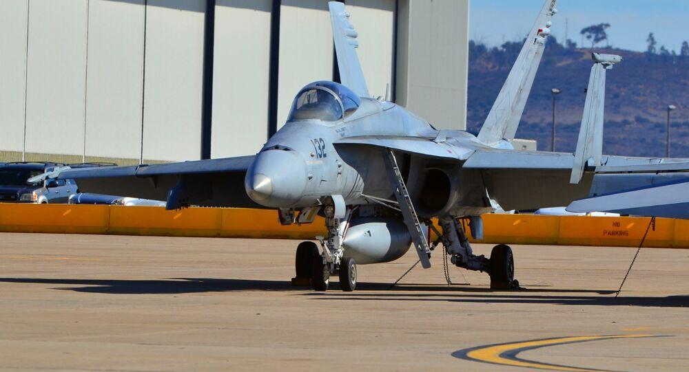 Caça-bombardeiro FA-18 da Força Aérea dos EUA