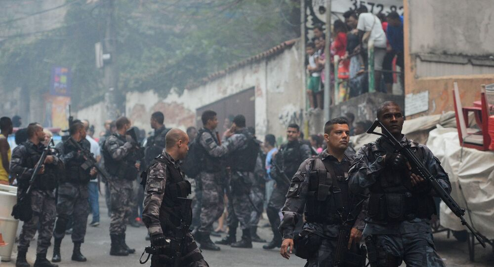 Copacabana volta a ser palco de confrontos em plena luz do dia