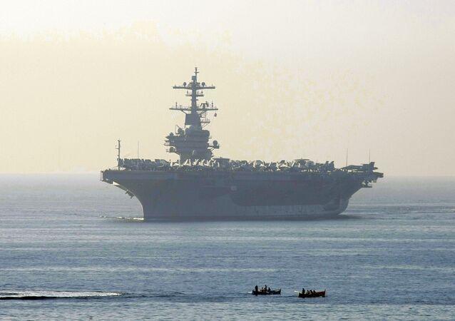 Porta-aviões americano George Bush (foto de arquivo)