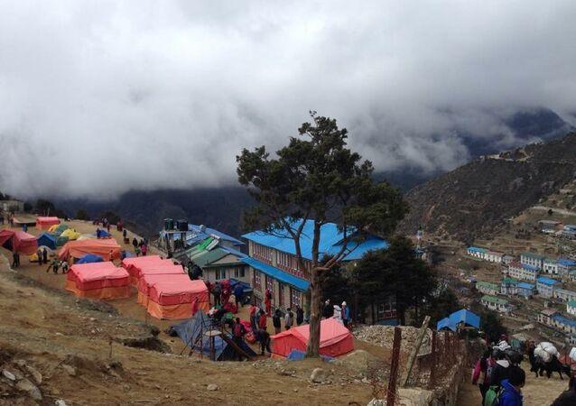Terremoto no Nepal deixou milhares de mortos, feridos e desabrigados