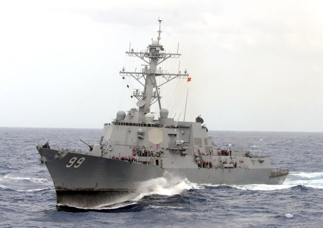 Destróier USS Farragut, enviado para monitorar a apreensão do MV Maersk Tigris
