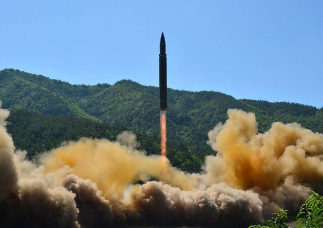 Míssil balístico intercontinental lançado pela Coreia do Norte (foto de arquivo)