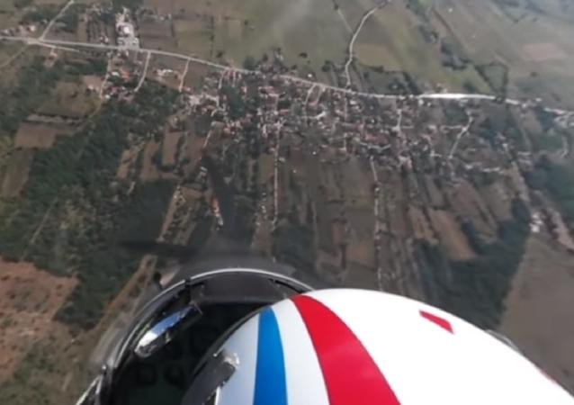 Grande voo de uma esquadrilha da Força Aérea da Croácia