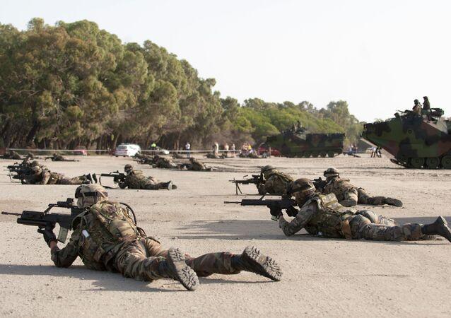 Marinheiros espanhóis durante treinamentos, foto de arquivo