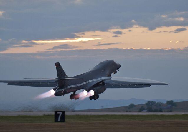 Bombardeiro estratégico dos EUA B-1 Lancer (foto de arquivo)