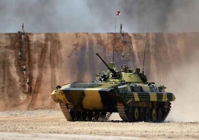 Veículo blindado de combate BMP-2