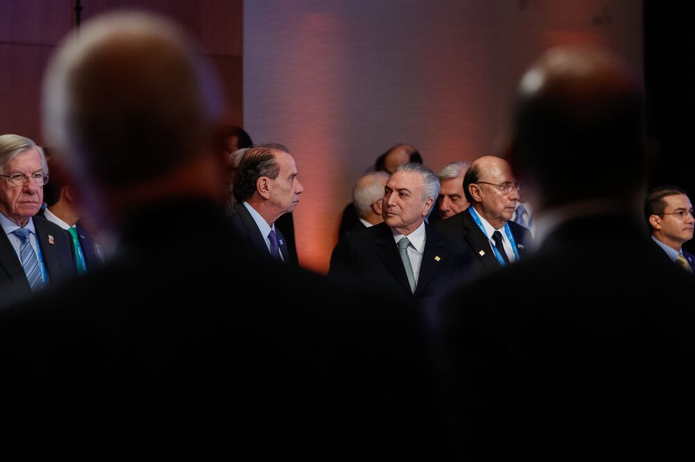 Presidente Michel Temer, na companhia do chanceler Aluísio Nunes, participa da Sessão Plenária dos Senhores Presidentes dos Estados Membros do Mercosul, Estados Associados, México e Convidados Especiais em Mendoza, na Argentina.