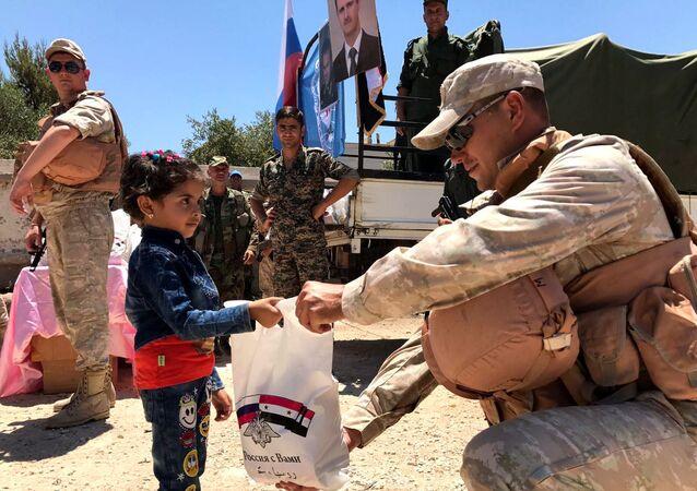 Centro russo de Reconciliação entregando ajuda humanitária ao povo sírio (arquivo)