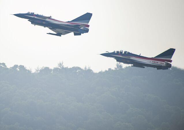 Caças J-10 do exército chinês