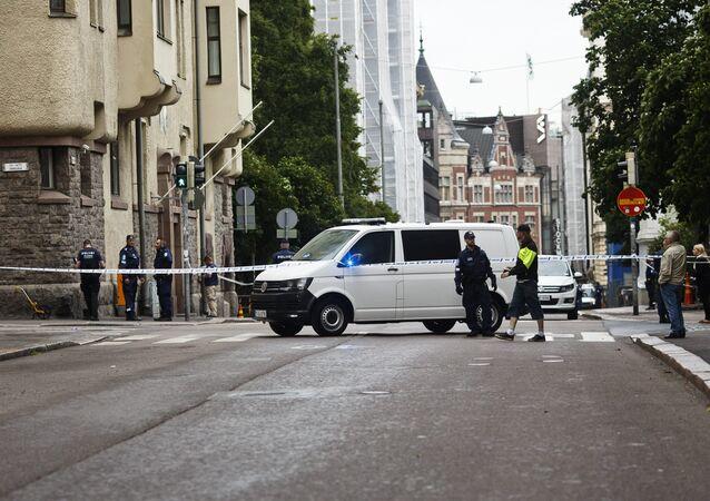 Polícia finlandesa investiga cena de atropelamento em massa em Helsinque