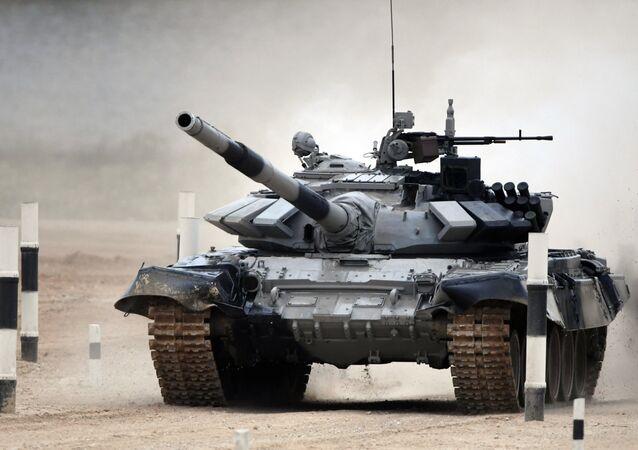 Biatlo de tanques durante os Jogos Internacionais do Exército 2017