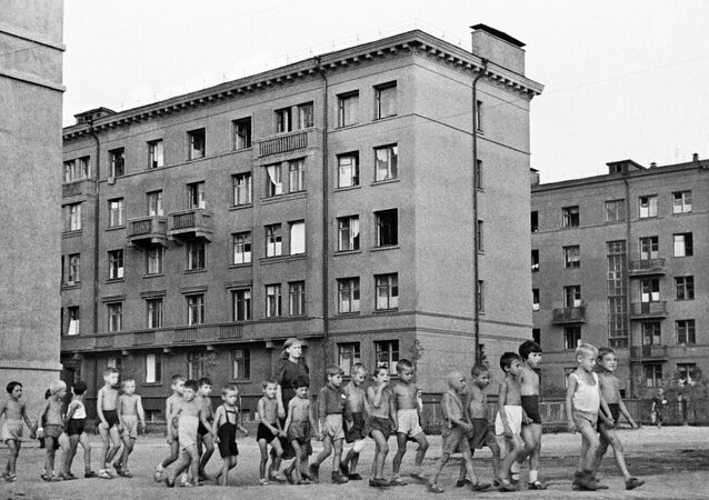 Crianças em uma rua de Moscou em 23 de junho de 1941