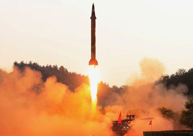 Lançamento de míssil balístico da Coreia do Norte (imagem referencial)