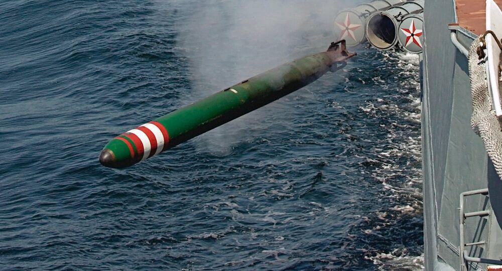O torpedo russo Shkval é lançado durante os ensaios das Frotas do Báltico e do Norte (foto de arquivo)