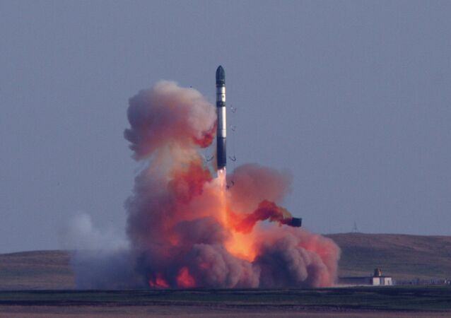 Lançamento do míssil balistico intercontinental R-36М2 Voevoda