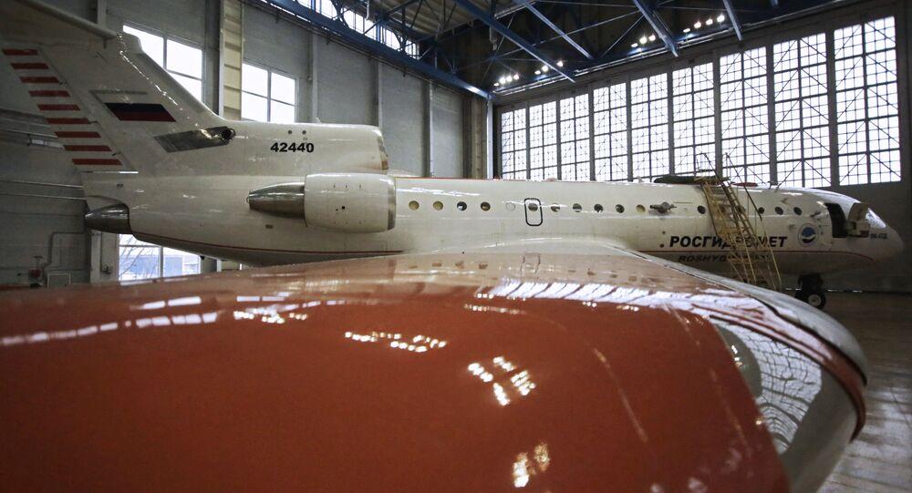 O avião-laboratório Yak-42D Roshidromet