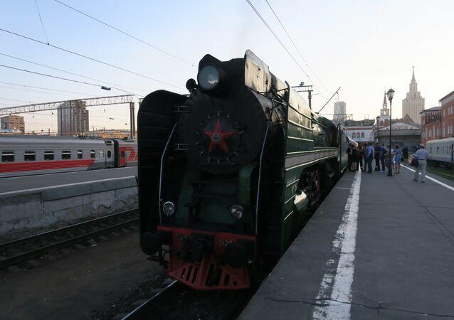 Trem Rússia Imperial na estação