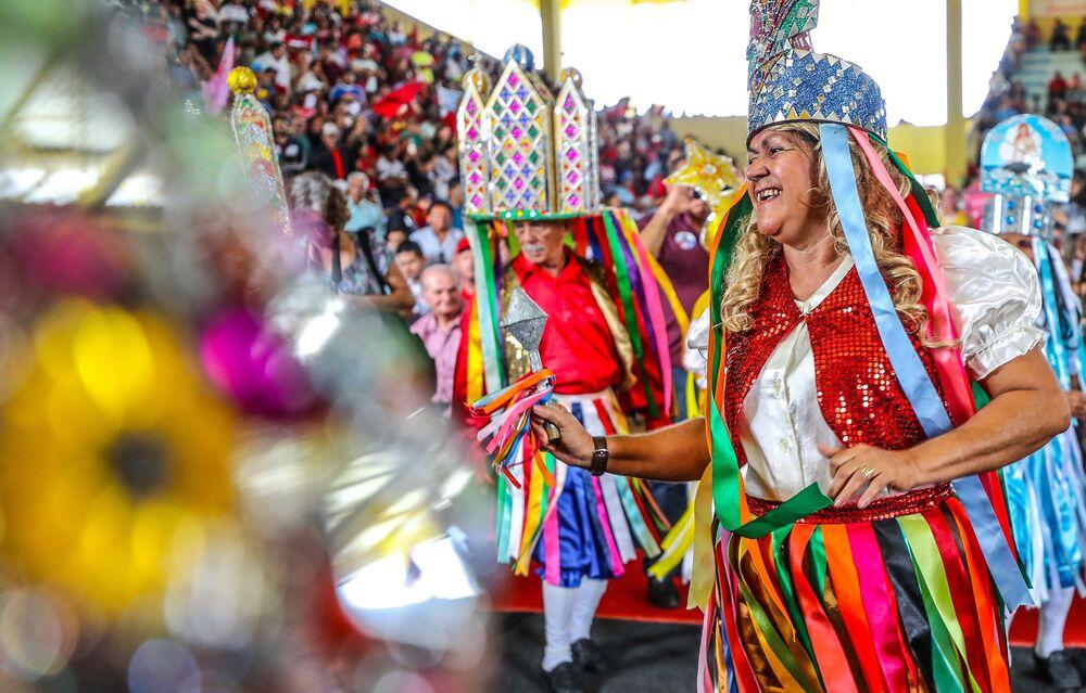 Universidade Estadual de Alagoas realiza evento com danças típicas para homenagear Lula.