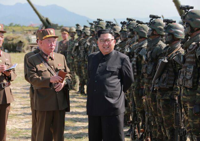 Kim Jong-un, líder da Coreia do Norte durante as manobras militares (imagem referencial)