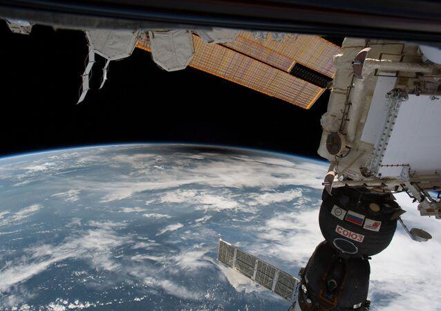 Vista do eclipse solar a partir da Estação Espacial Internacional