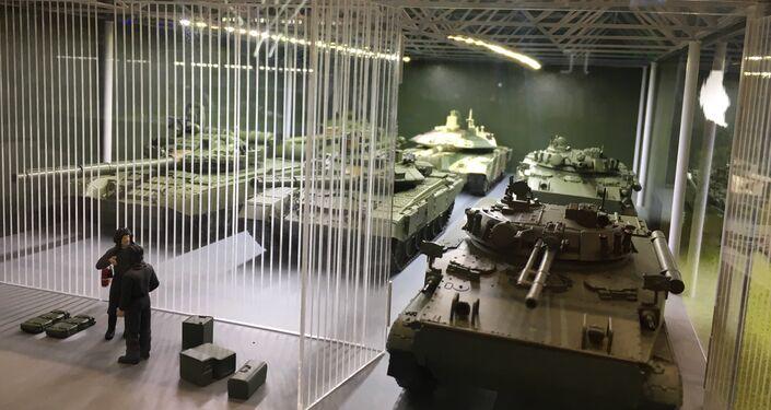 Miniatura do estacionamento militar na esposição EXÉRCITO 2017
