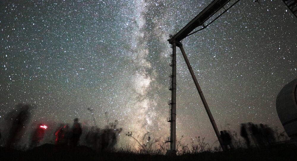 Além do telescópio BTA, no Observatório astrofísico há o radiotelescópio RATAN-600, que possui uma antena anular com diâmetro de 600 metros. O RATAN-600 localiza-se a 20 km do BTA e a uma altitude de 970 metros