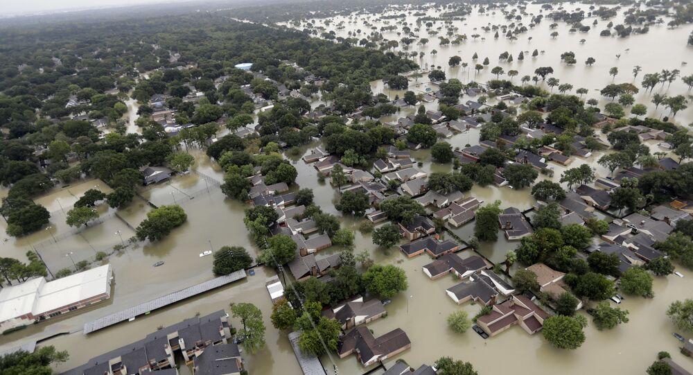 Ruas inundadas em Houston, no Texas, após a passagem do furacão Harvey