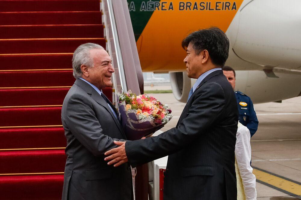 Temer e Li Jinzhang, Embaixador da China em Brasília.