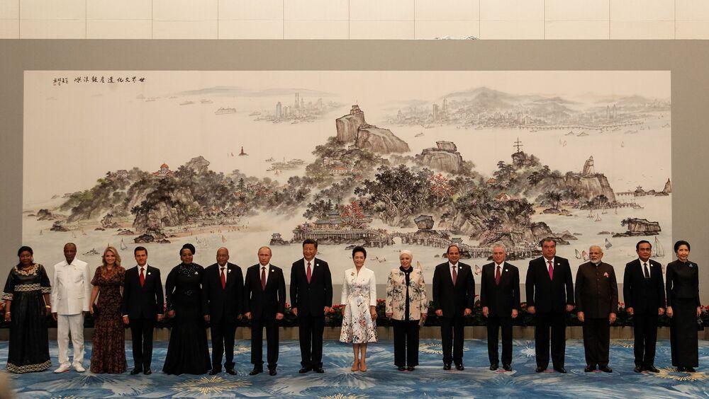 Cerimônia de boas-vindas e foto de família dos Chefes de Estado e de Governo e cônjuges do Brics.