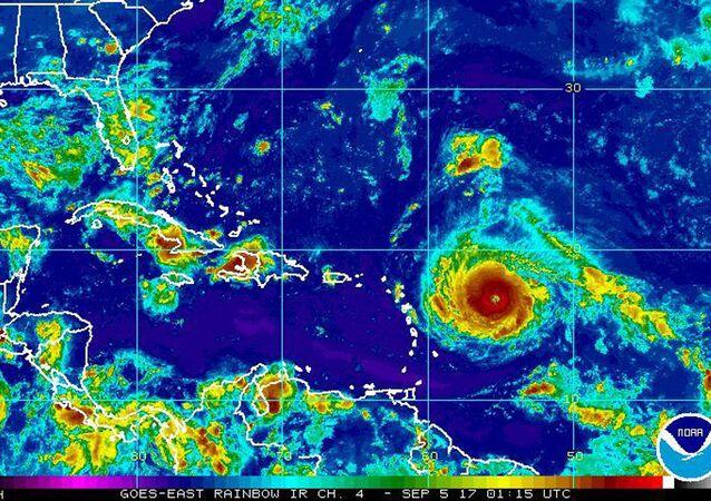 Imagem do furacão Irma avançando pelo Oceano Atlântico, passando pelo Caribe e indo em direção aos EUA